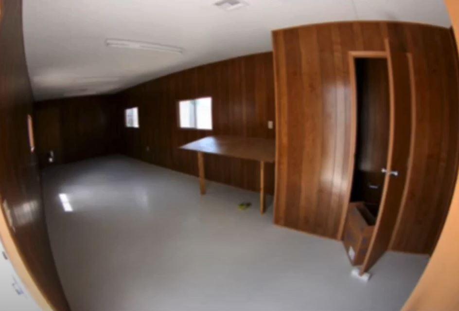 12x60 Interior