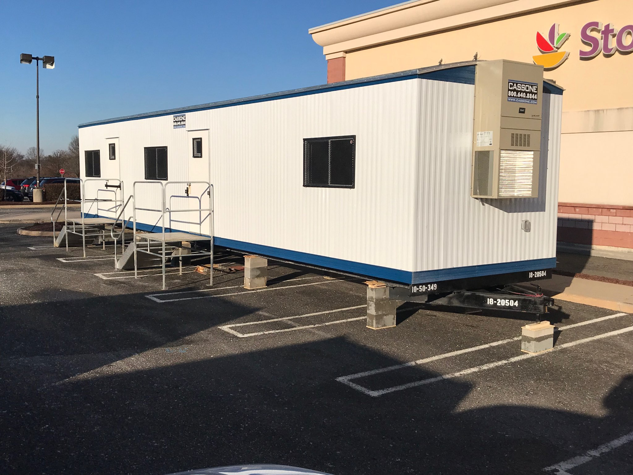 Cassone Trailers_Mobile Trailer Office Rent or Purchase_IMAGE1